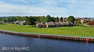 108 Harbor Drive, Ludington, MI 49431