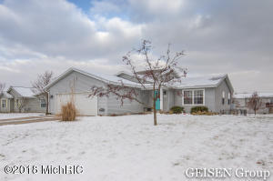 140 Pineview Drive, Belding, MI 48809
