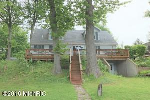 50384 Cable Lakeview Drive, Dowagiac, MI 49047