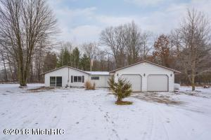 18826 Jefferson Road, Morley, MI 49336