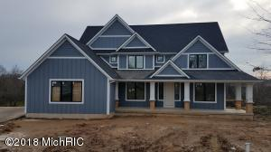 4450 BIRCH POINT Drive NE, Grand Rapids, MI 49525