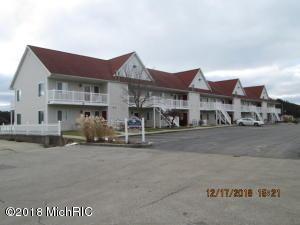 1 E Lake Street, 10, Pentwater, MI 49449