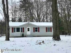 7156 Red Maple Drive, Cadillac, MI 49601