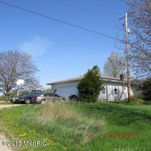 11364 E County Line Road, Carson City, MI 48811