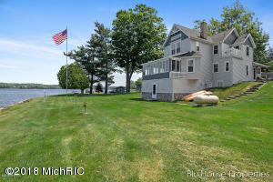 5906 Maple Lane, Ludington, MI 49431