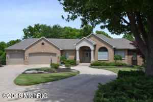 237 Regal Court SW, Grandville, MI 49418