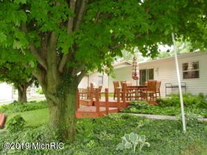 46938 Meadow Lane, Decatur, MI 49045