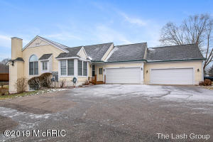 3335 Golfview Drive NW, 38