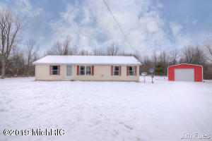 12650 S Meadow Lane, Grant, MI 49327