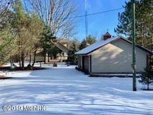 5830 S Rapids Road, Branch, MI 49402
