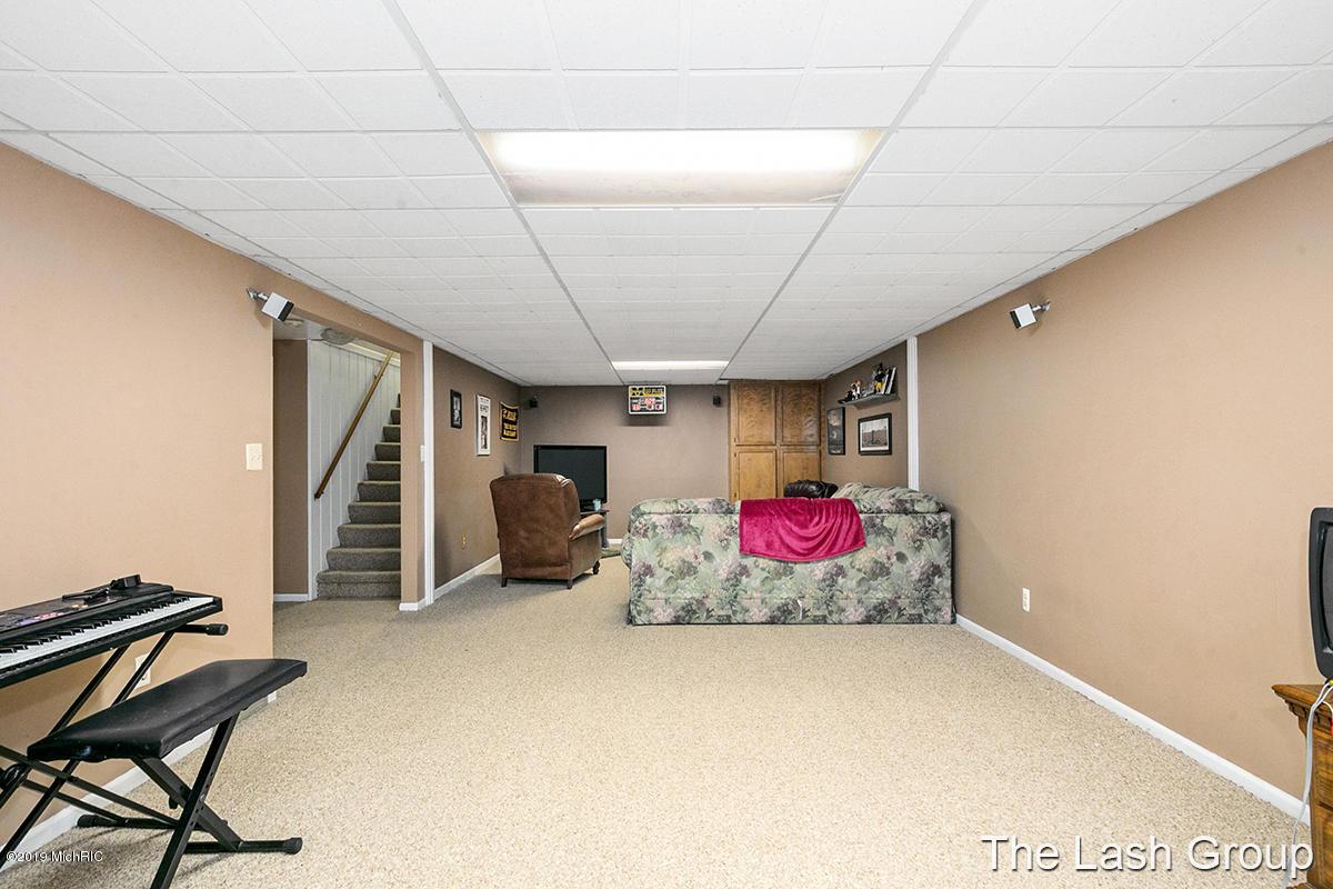 4032 N Osage Drive Sw Grandville 49418 Mls 19000662
