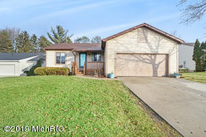 434 Corral Path, Lansing, MI 48917
