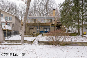 405 S Gull Lake Drive, Richland, MI 49083