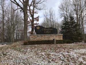 10033 Sweet Tree Lane, Canadian Lakes, MI 49346