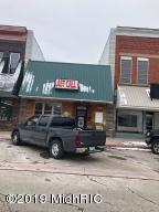 108 W Upton Avenue, Reed City, MI 49677
