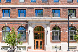 27 Library Street NE 302, Grand Rapids, MI 49503