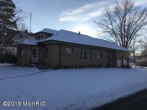 502 S Elm Street, Three Oaks, MI 49128