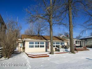 653 Pearl Beach Drive, Coldwater, MI 49036