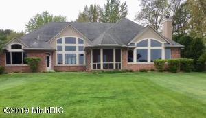 9958 W Gull Lake Drive, Richland, MI 49083