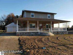 632 E Michigan Street, Farwell, MI 48622