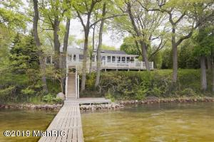 11143 Hastings Point Road, Middleville, MI 49333