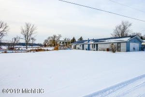 142 Alden Lane, East Leroy, MI 49051