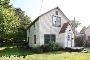 11 Maple Street, Three Oaks, MI 49128