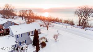 2535 Old Lake Shore Road, St. Joseph, MI 49085