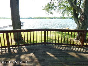 626 Eagle Point Road, Lake Odessa, MI 48849