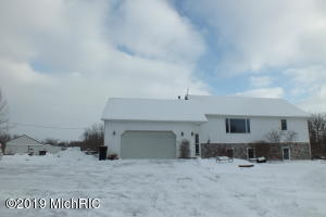 6143 142nd Avenue, Holland, MI 49423