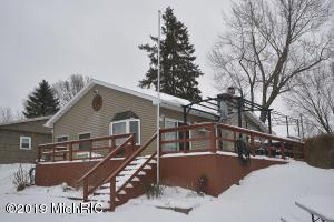 60081 S Lakeshore Drive, Lawrence, MI 49064