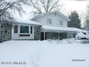 9666 Morse Lake Avenue SE, Alto, MI 49302