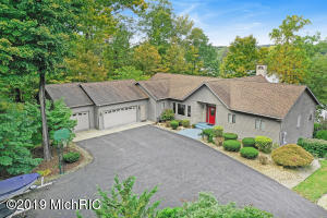10524 Range Line Road, Berrien Springs, MI 49103