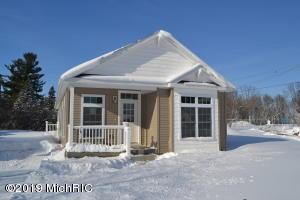 1855 Herrick Avenue NE, Grand Rapids, MI 49505