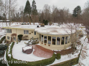 10788 W Gull Lake Drive, Richland, MI 49083