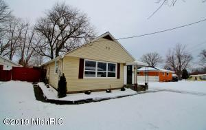 411 Hickory Street, Three Oaks, MI 49128