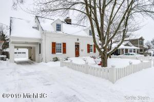 865 Bellclaire Avenue SE, East Grand Rapids, MI 49506