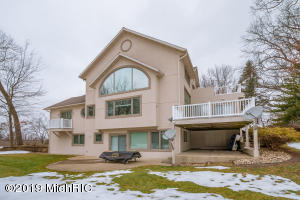 60889 W Oak Drive, Decatur, MI 49045