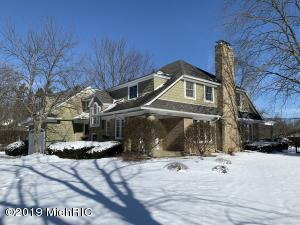 3055 Lake Drive SE, East Grand Rapids, MI 49506