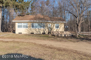 65098 16th Avenue, South Haven, MI 49090