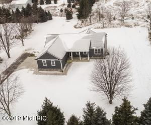 6718 Burlingame Avenue SW, Byron Center, MI 49315
