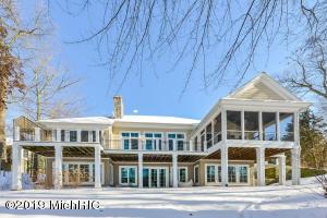 4195 N Oak Pointe Court NE, Grand Rapids, MI 49525