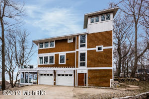 306 Higman Park Hill, Benton Harbor, MI 49022