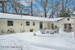 17815 Old Logging Road, Hersey, MI 49639