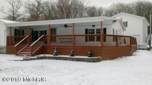 3159 Lake Drive, Hillsdale, MI 49242
