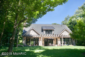 1150 Orchard Lake Drive, South Haven, MI 49090