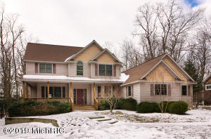 2840 Lake Breeze Drive, Fennville, MI 49408