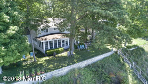 4562 Lovers Lane, Holland, MI 49423