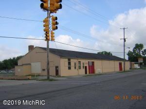 2460 S Grand Traverse Street, Flint, MI 48503