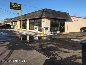 5330 Division Avenue S, Kentwood, MI 49548